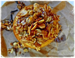 Baked apple with a toasty oat filling!